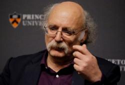 2016 Physics Nobel Prize Winner Duncan Haldane Gives Talk at UCSD