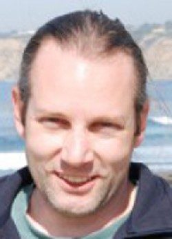 Professor Tom Murphy receives Sustainability Award at UC San Diego